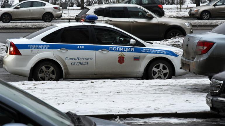 Шофёр иномарки выстрелил вслужебный автобус вЛенобласти