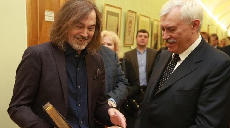 Выставка Никаса Сафронова открылась вСмольном