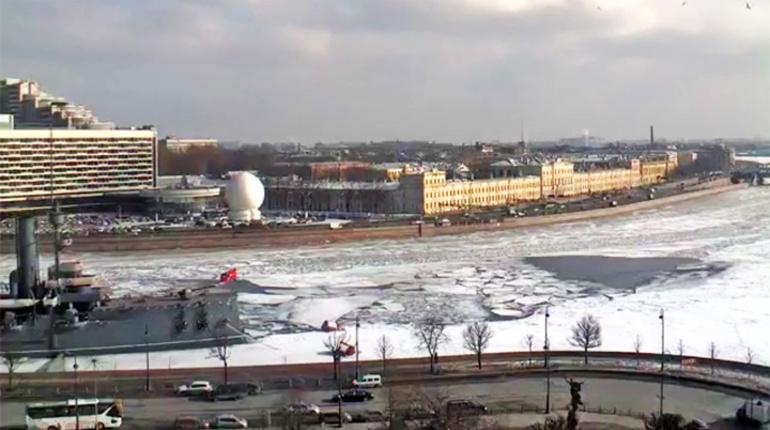 В Петербурге запускают аэролифт для шпионов и семей задержанных ФСБ