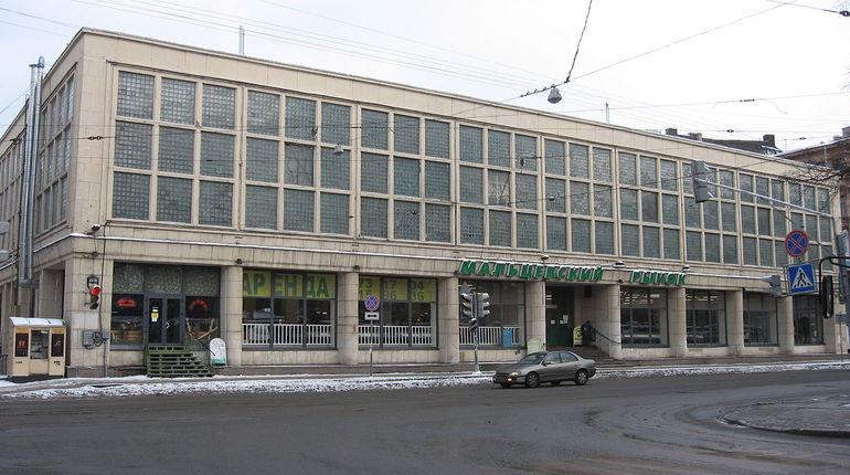 Суд позволил Смольному порвать договор аренды поМальцевскому рынку