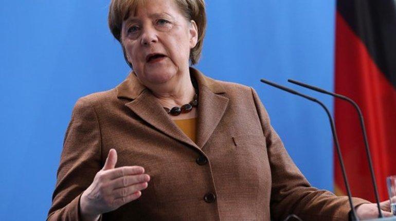 Меркель: Германия несобирается участвовать ввоенной операции вСирии