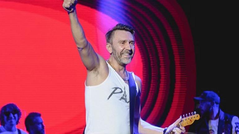 Шнуров подарил себе на день рождения новые песни