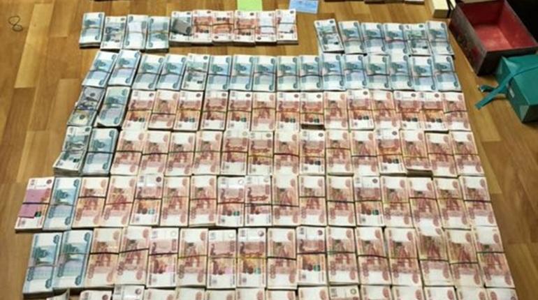 У сотрудника УФСБ в Самаре изъяли около 80 млн рублей