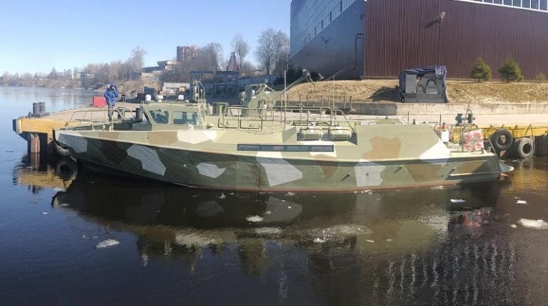 В Петербурге спустили на воду патрульный катер «Раптор»