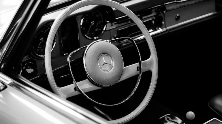 Автомобили Мерседес-Бенс 2-ой месяц подряд лидируют навторичном рынке столицы