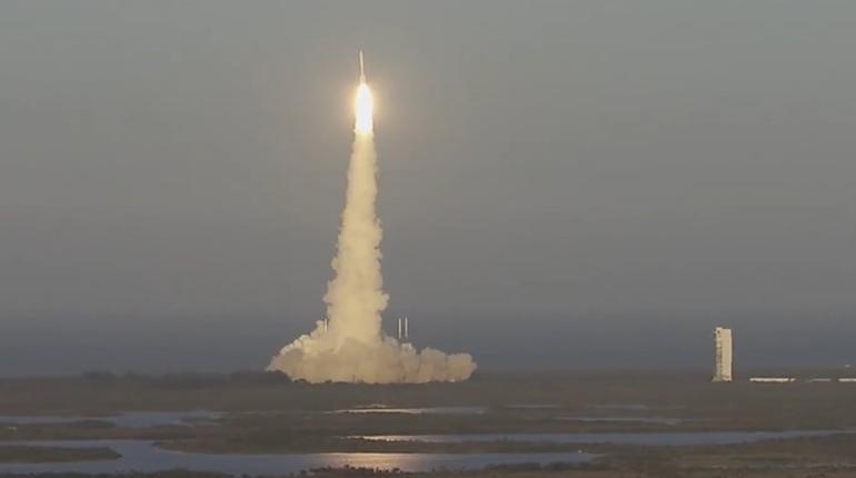 ВСША запустили ракету-носитель Atlas Vсдвумя военными аппаратами