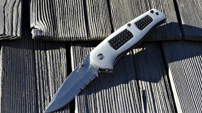 Выборжец поработал ножом вПетербурге