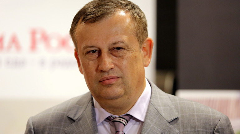 Заработок семьи Дрозденко в 2017 снизился на90 млн руб.