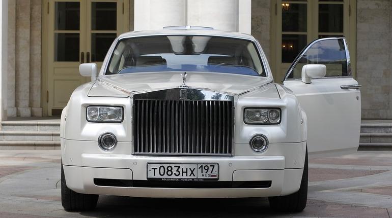 Ужителя столицы  угнали Роллс Ройс  за16,5 млн  руб.