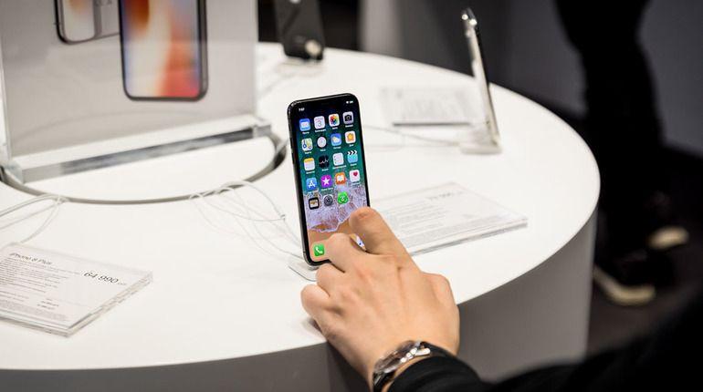 Глава Apple сравнил стоимость iPhone X с ценой чашки кофе