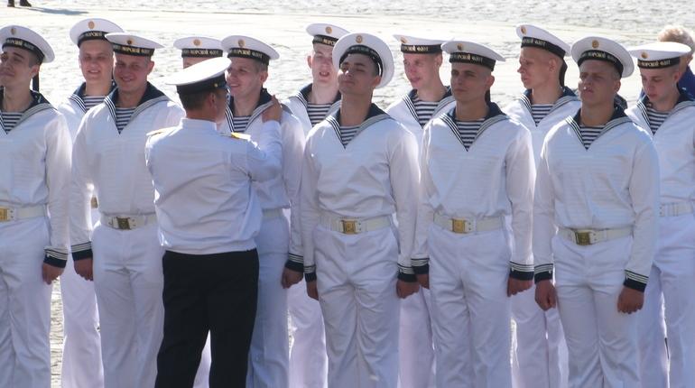 ВДень ВМФ ограничат заезд вКронштадт