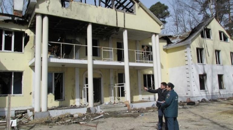 Петербургское МЧС провело рейд по расселенным домам
