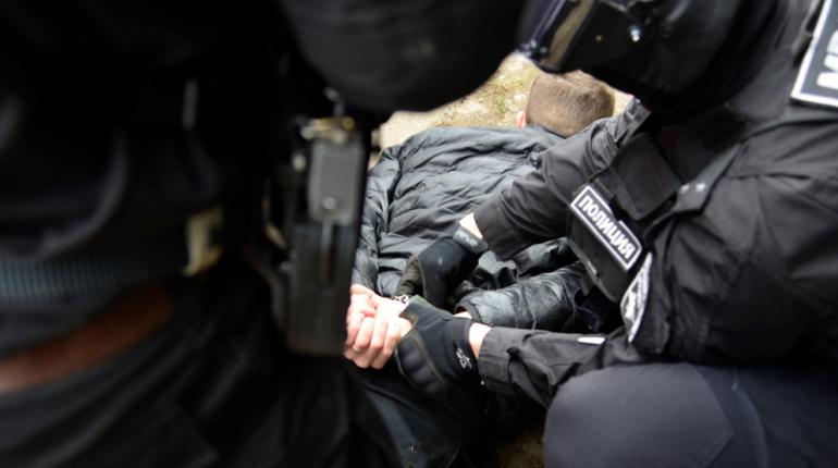 Банду наркоторговцев задержала полиция в Сосновом Бору