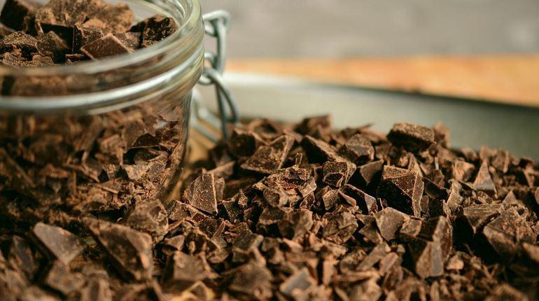 Огромное содержание какао вшоколаде влияет напамять