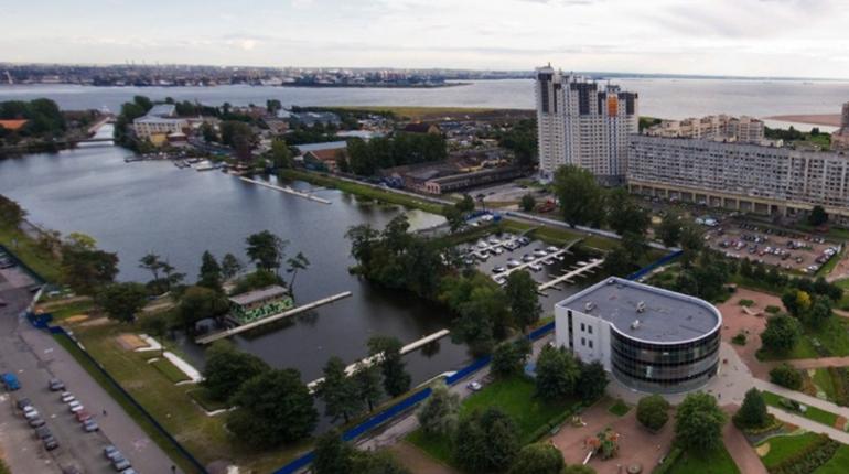Яхт-клуб на Васильевском продают на Avito