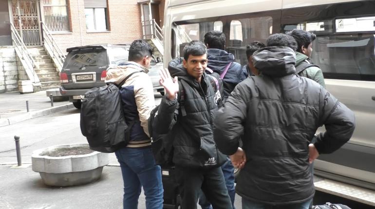 Нелегальные мигранты, мечтающие о Евросоюзе, остановлены петербургскими полицейскими