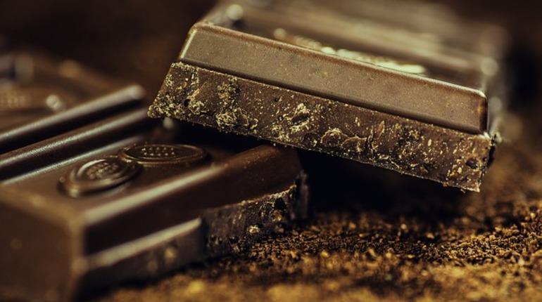 Ученые: темный шоколад может улучшить зрение