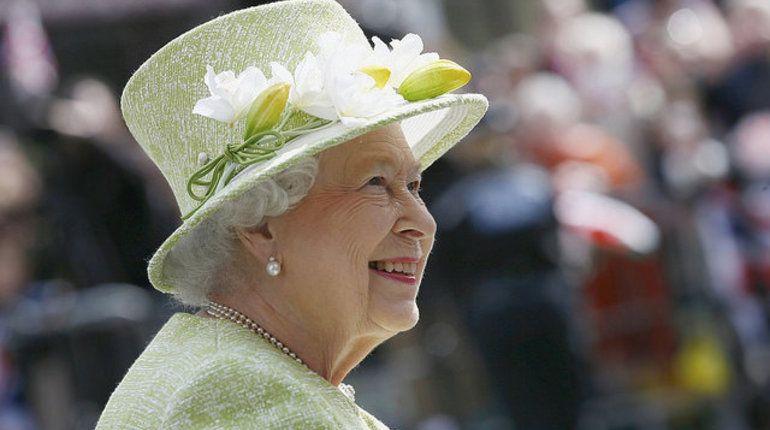 Миллионы фунтов ЕлизаветыII найдены  наофшорных счетах