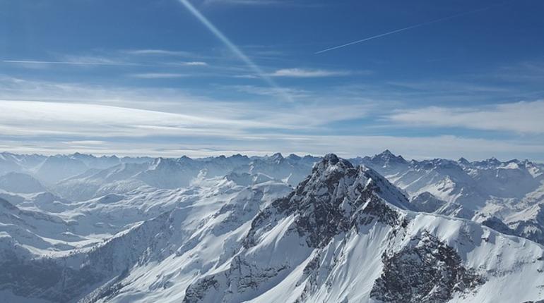 Из-за непогоды вШвейцарских Альпах погибли 4 туриста