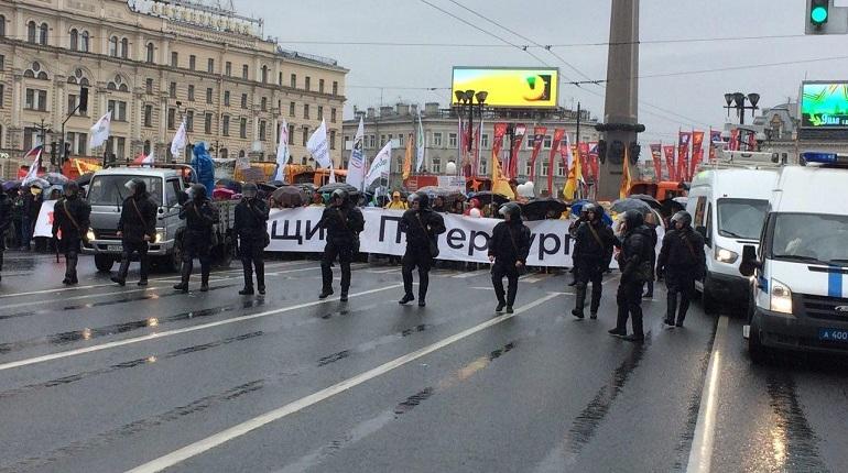 «Матч состоится при любой погоде»: оппозиционеры использовали свой шанс выйти на Невский