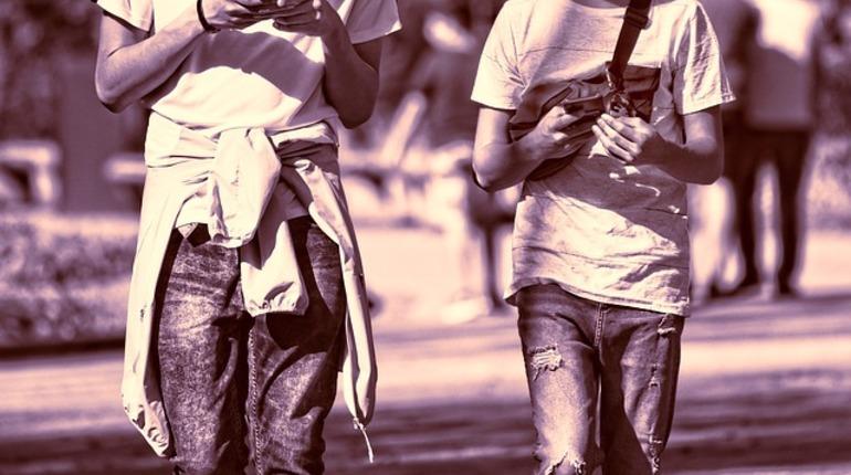 В Московском районе за «отжатые» смартфоны задержаны трое