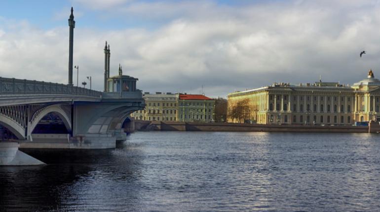 Петербуржев ждет пасмурная погода до конца недели. Солнце заглянет в Северную столицу только в выходные.