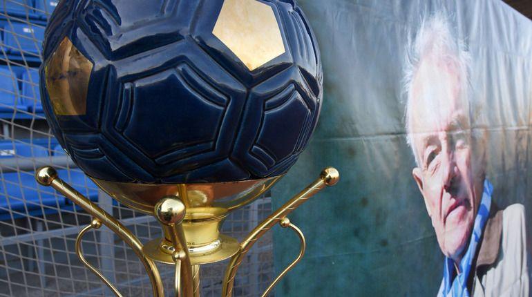 Театральный футбольный турнир прошел в понедельник на Малой арене стадиона