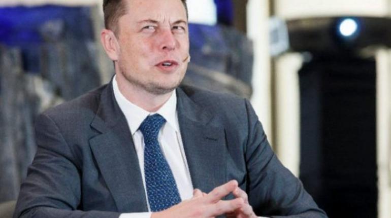 Илон Маск купил акции собственной компании Tesla нафоне рекордных убытков