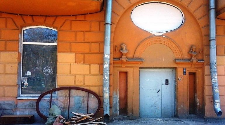 Доходный дом Ведекина на Васильевском оставили без исторического окна
