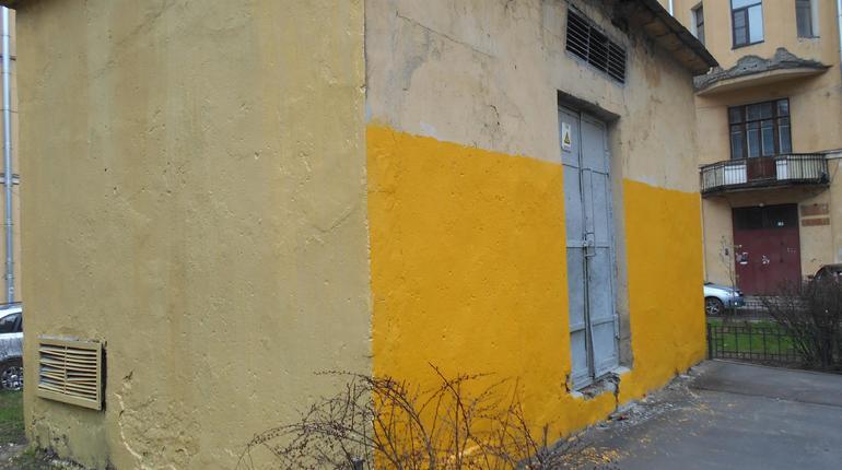 Граффити сГалустяном наулице Некрасова закрасили вПетербурге