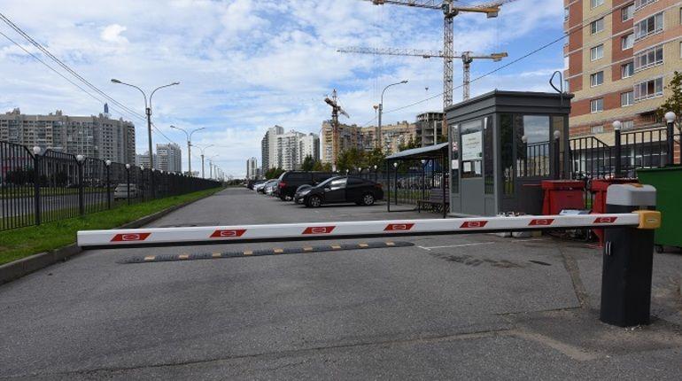 Три перехватывающие автостоянки построят у станций метро «Купчино» и «Рыбацкое»