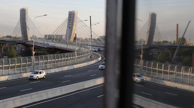 По мосту Бетанкура открывают движение