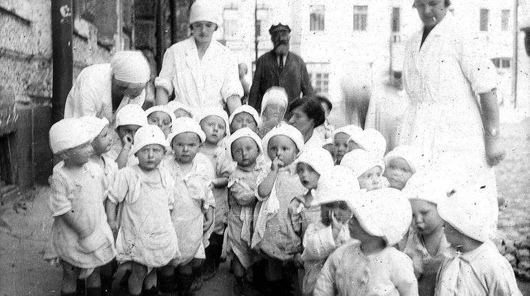 Первый детский сад и гимн города: день в истории Петербурга