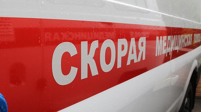 В Петербурге на мужчину рухнула строительная плита