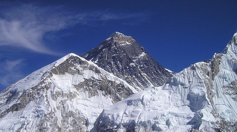 Безногий китайский пенсионер добрался до вершины Эвереста