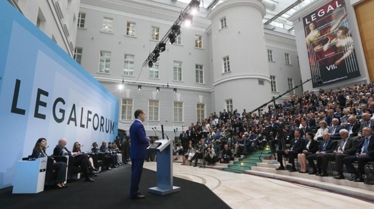 Медведев признал что блокировки в интернете не работают