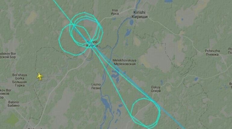 Рейс из Владикавказа в Петербург нарезел круги перед посадкой. У летчиков получился довольно своеобразный рисунок.