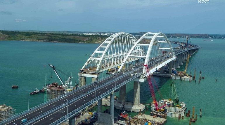 В США прозвучал призыв взорвать Крымский мост. Статья с объяснением необходимости это сделать появилась в еженедельнике Washington Examiner. Материал написал журналист Том Роган.