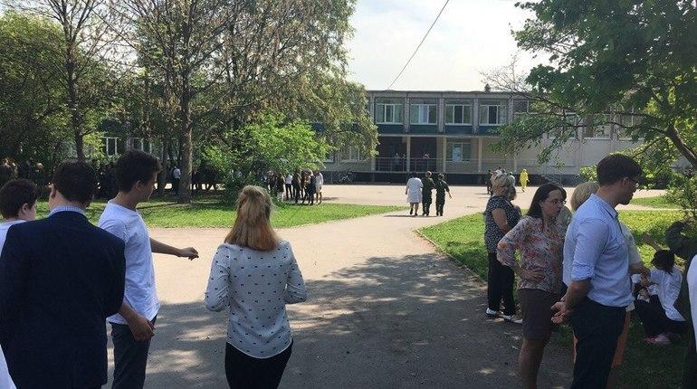 В Петербурге эвакуировали школу №145 из-за «перца»