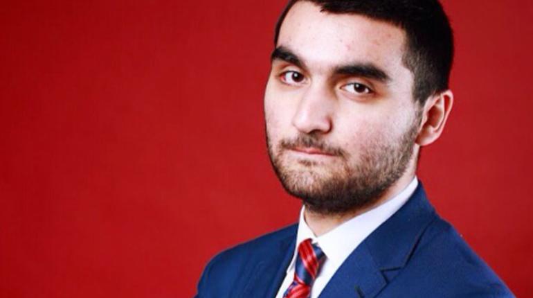 Экс-секретарю петербургского суда Александру Эйвазову опять продлили арест