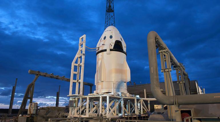Илон Маск показал окончательный дизайн корабля Crew Dragon (Dragon 2), который собираются использовать для отправки астронавтов на МКС.