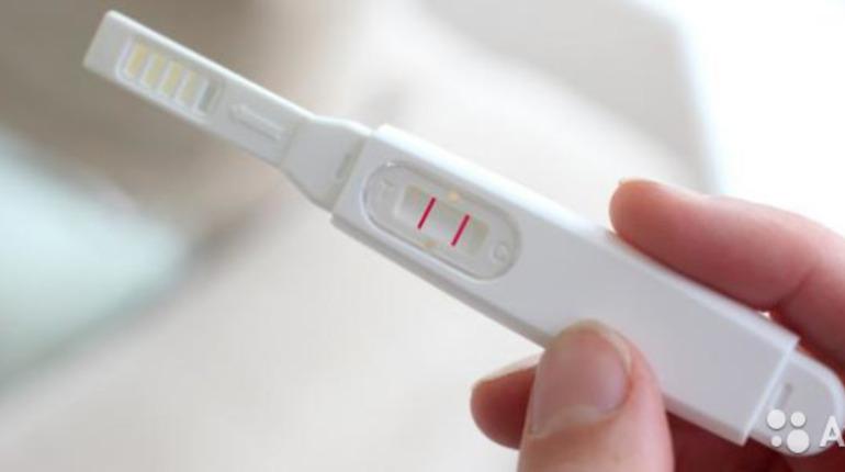 Петербурженки продают положительные тесты на беременность на Avito