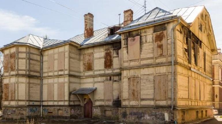 Дом Волкова в Ломоносове продали с восьмой попытки
