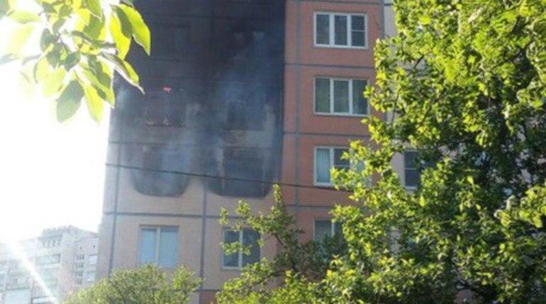 Жителей дома на Пискаревском проспекте разбудил запах гари