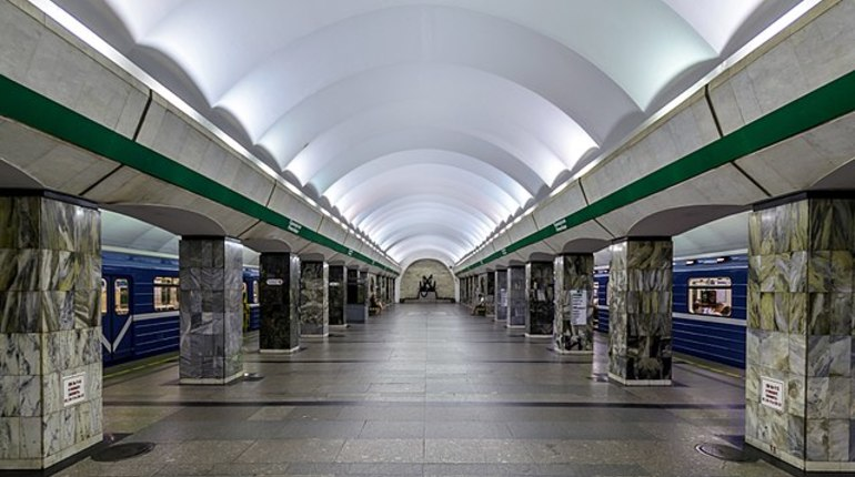 «Приморскую» закрыли для пассажиров