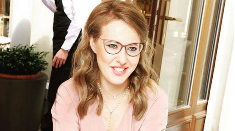 Собчак призвала Шнурова мириться с Матильдой на концерте в рамках ПМЭФ