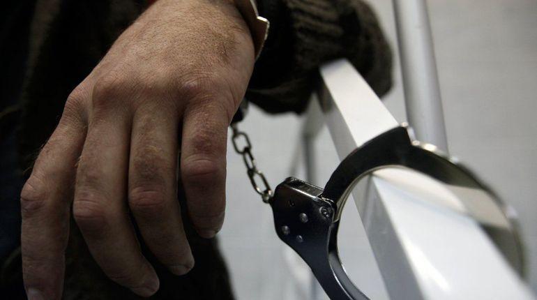 На Римского-Корсакова задержали мужчину в преступном Chevrolet