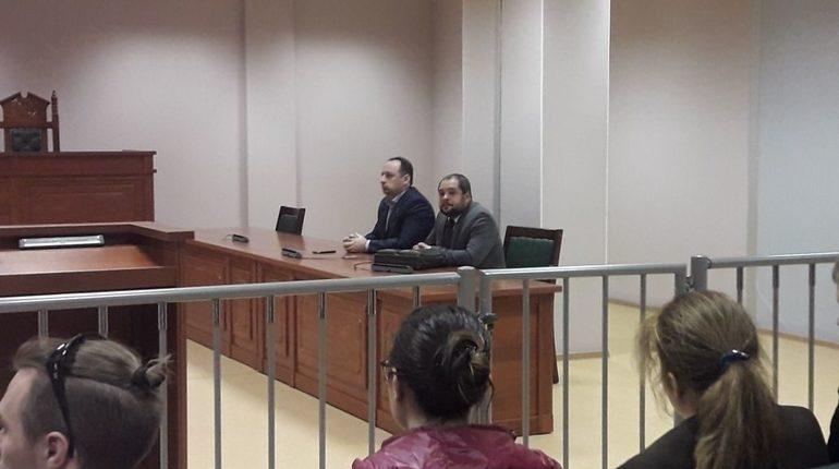 Суд изменил меру пресечения на домашний арест для Михаила Цакунова, обвиняемого в выбитом зубе полицейского на акции 5 мая.