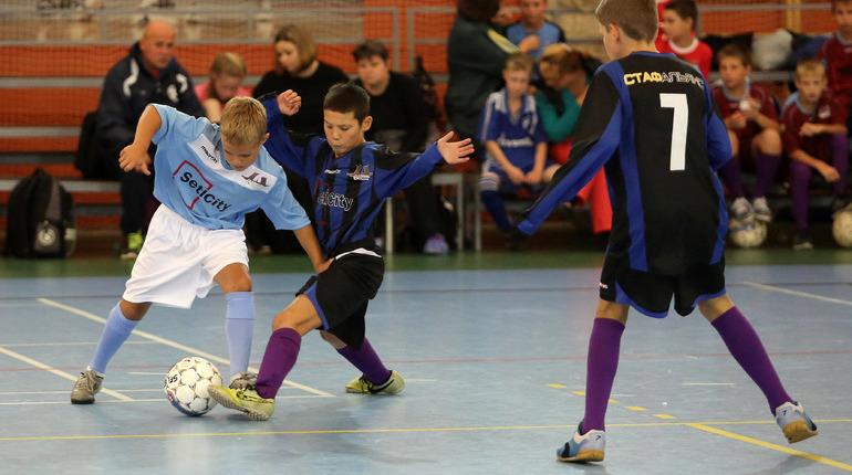 Депутат предложил заменить физкультуру на футбол в школах