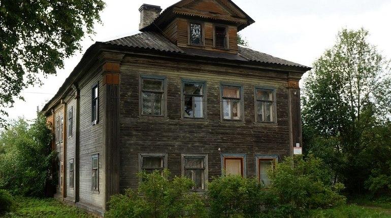 В Новой Ладоге чиновники взялись за массовый снос исторических зданий
